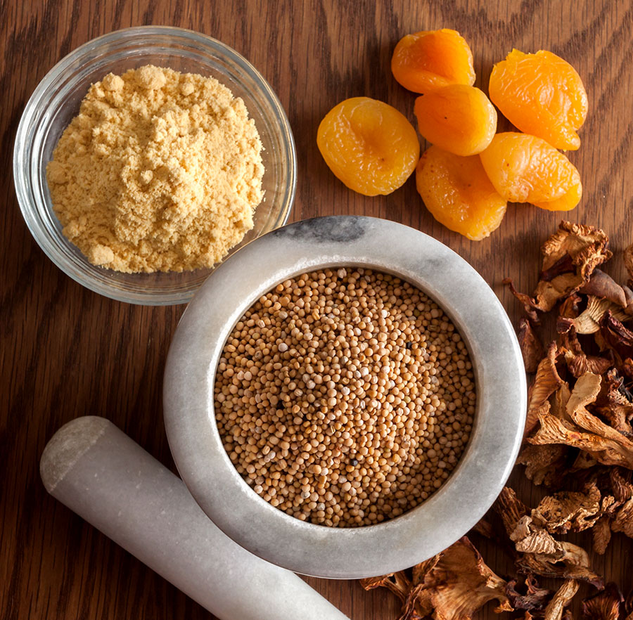 Ingredients for chanterelle-apricot mustard