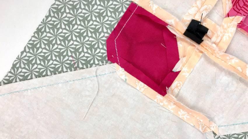 Mini pillows in birdform #diy #handmade #pillow #quiltpattern