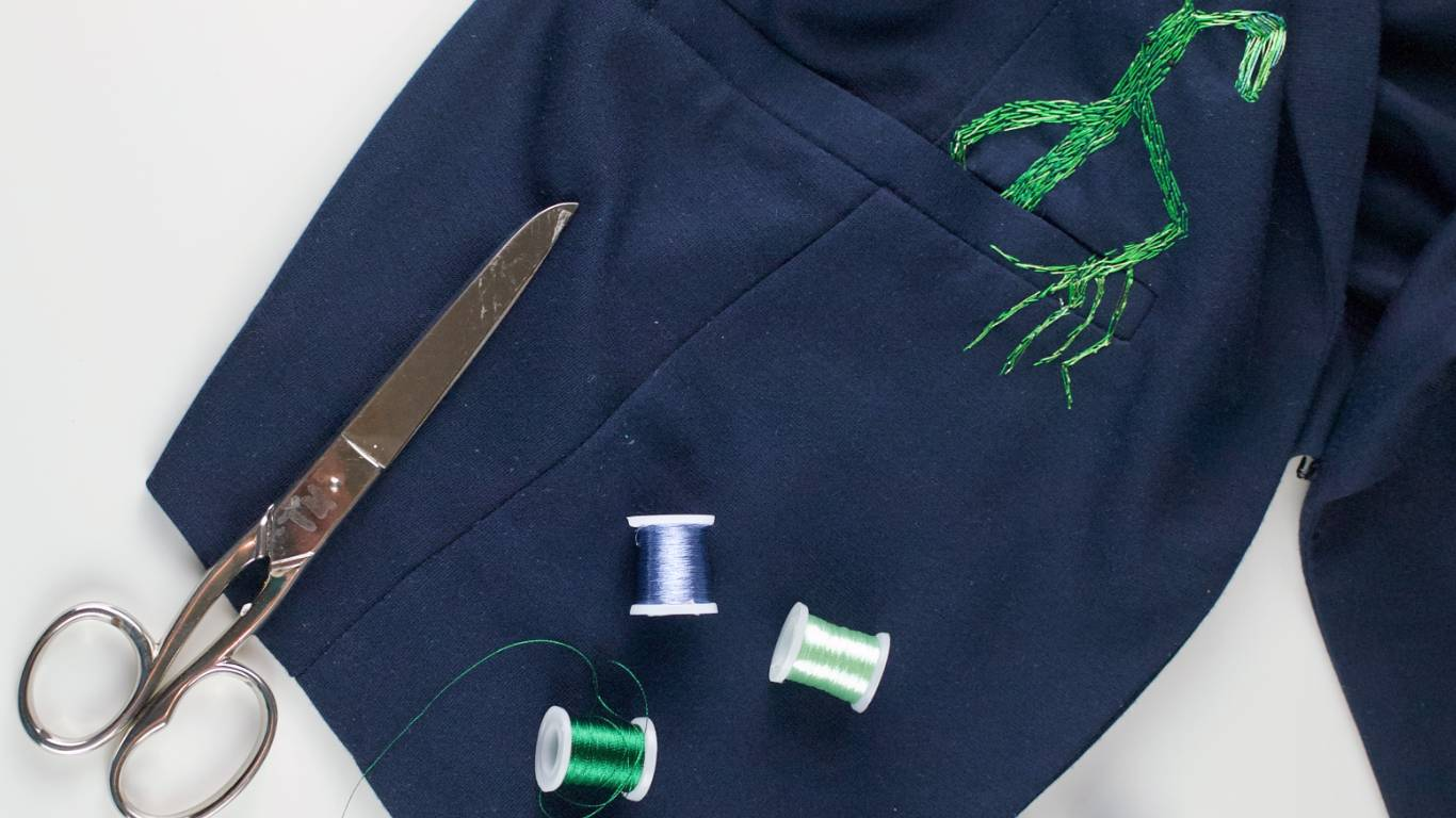 embroidered bowtruckle on a blazer? yes, please! #diy #harrypotter #embroidery