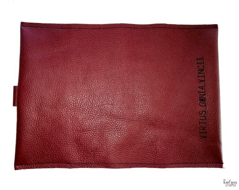 Geschenkidee: nähe ein Ledereinband für ein teures Buch oder ein geliebtes Notizbuch #sewing
