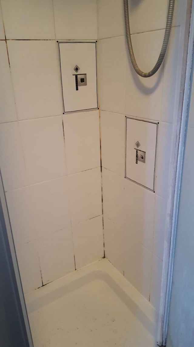 Shower Cubicle Before Cleaning in Sale