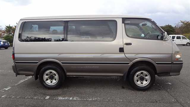 Uganda Safaris - Super Custom Tour Car for Hire