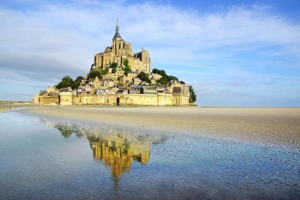 mont_saint_michel_france_