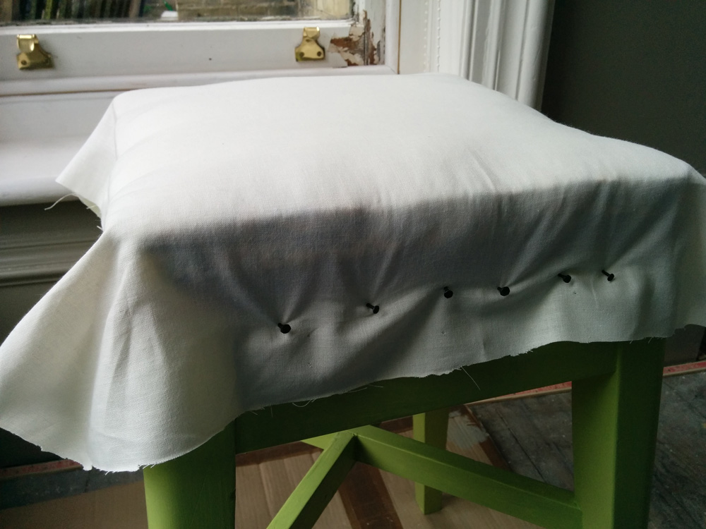 Kitchen stool makeover - cotton cover
