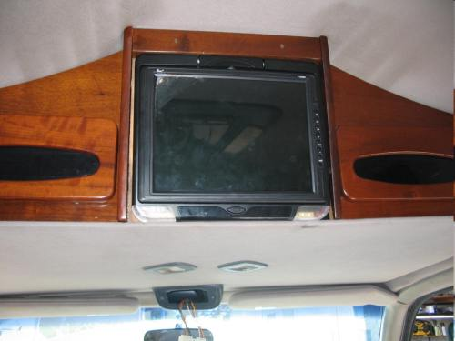 small resolution of audiovox and other custom van electronics