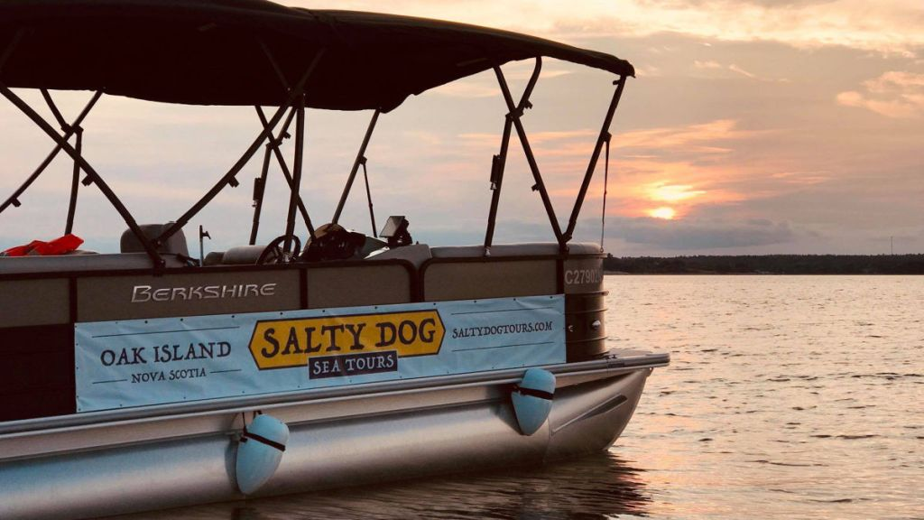 SALTY DOG SEA TOURS boat