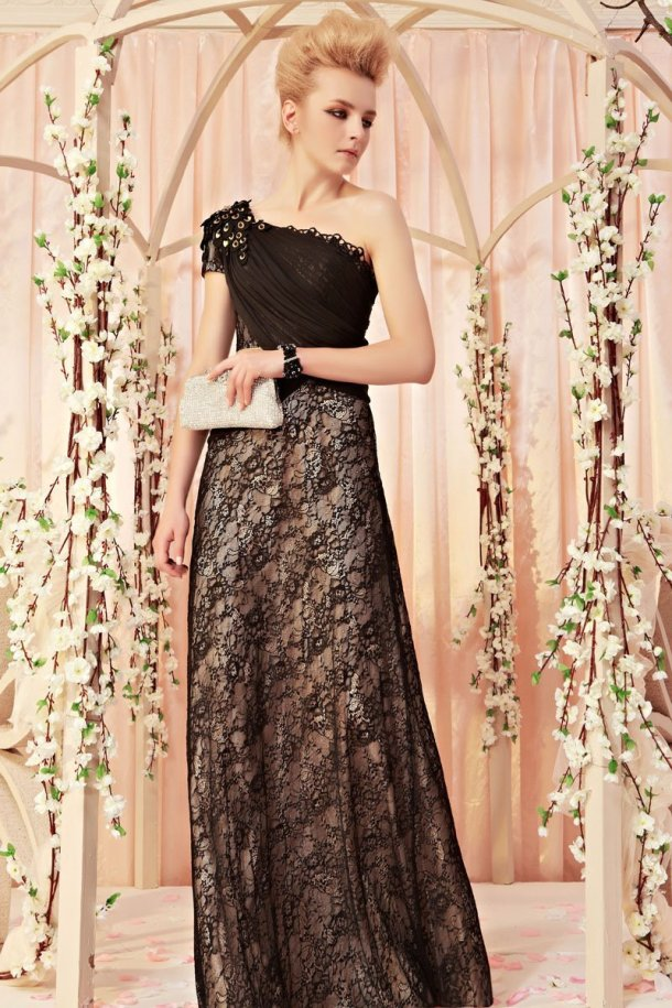 Aisle Style co uk, evening New Year Eve gowns, celebrating new years eve