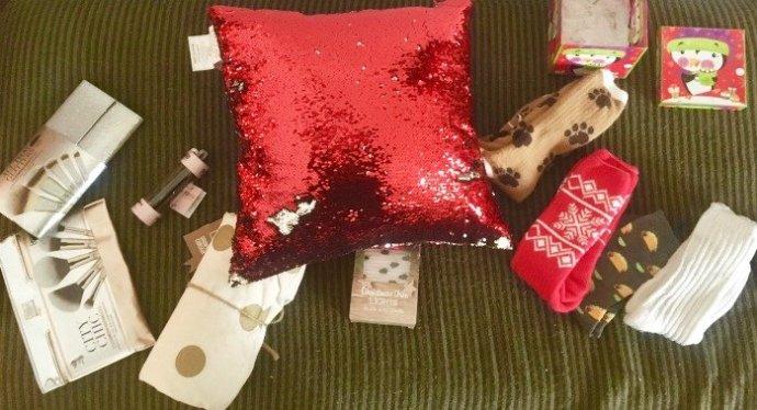 Christmas gifts, Ankit, it Cosmetics, The Sox Market