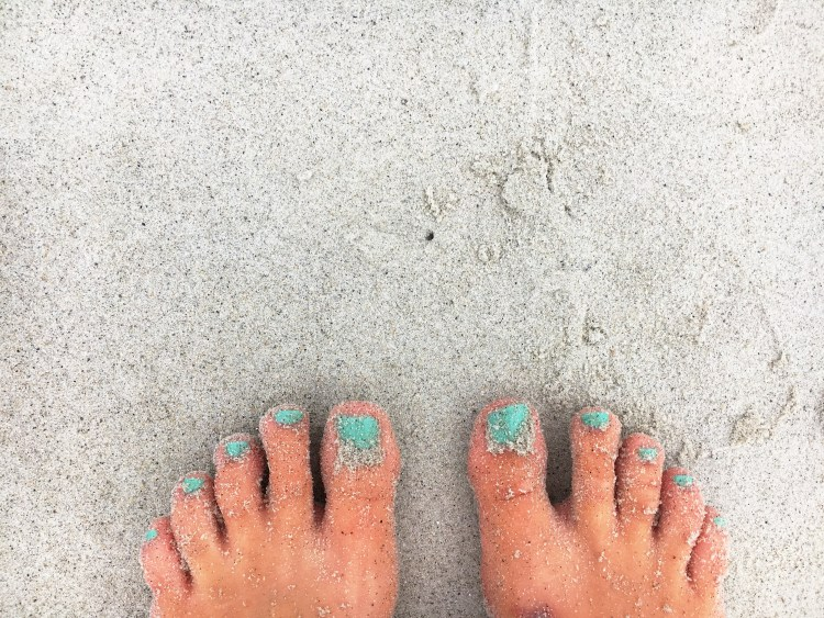 sandy toes - carters beach - east coast mermaid