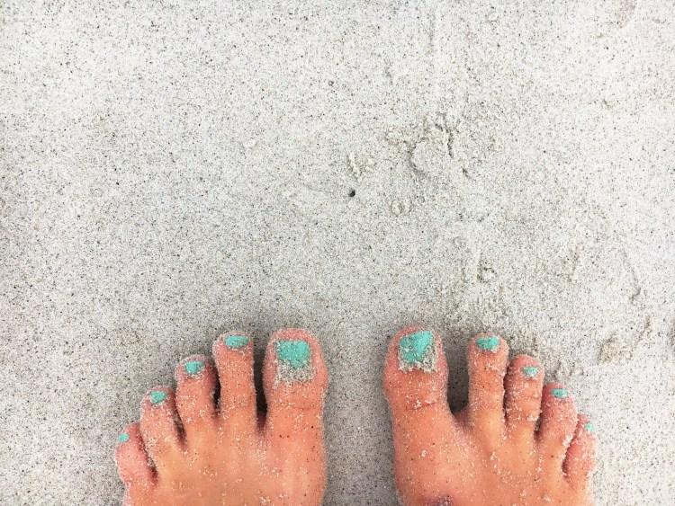 sandy toes - carters beach - east coast mermaid