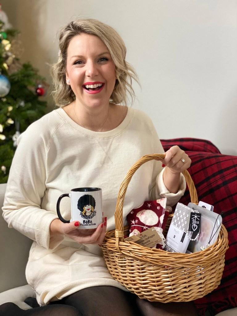 Christmas Giveaways: MacArthur's Market
