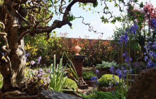Briar House will open its garden for Hospiscare.