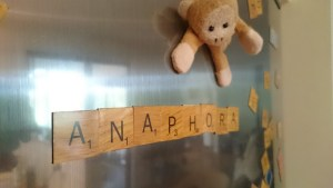 Anaphora spelled with fridge magnets
