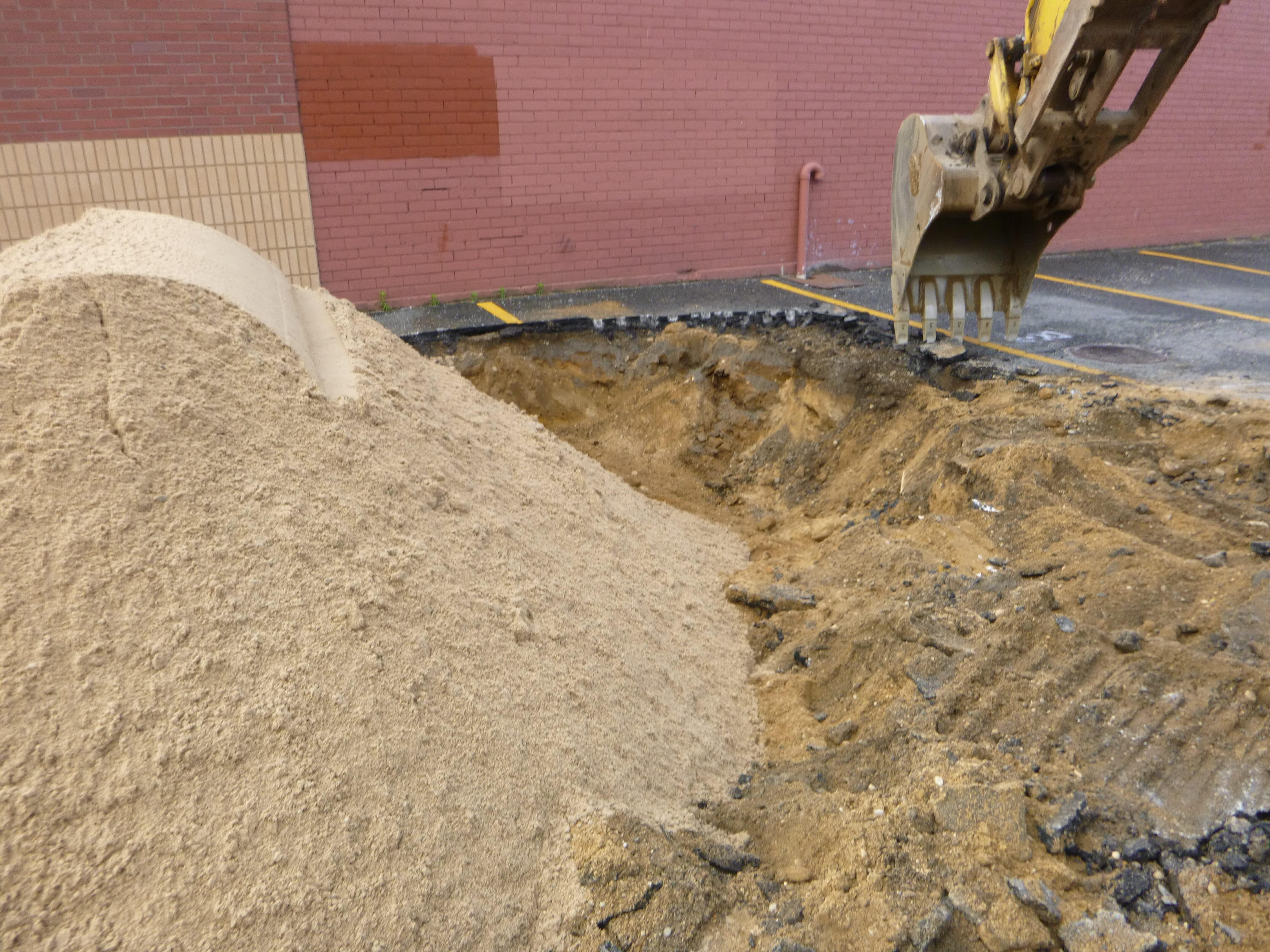 excavator-asphalt-2