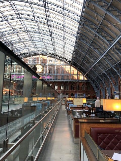 champagne bar in st pancras