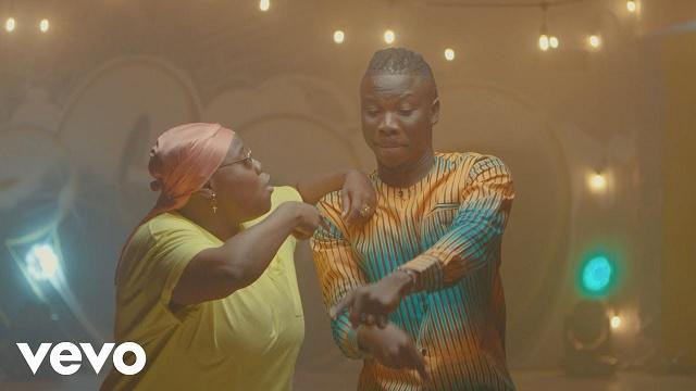 VIDEO: Stonebwoy – Ololo Ft. Teni