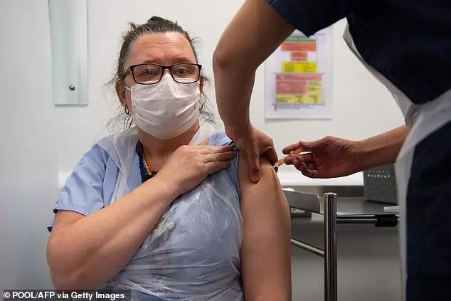 Photo of BAD NEWS! Nurse Catches Covid Three Weeks AFTER Getting Vaccine