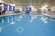 Holiday Inn Pointe Claire Pool - Easton' Group Of Hotels