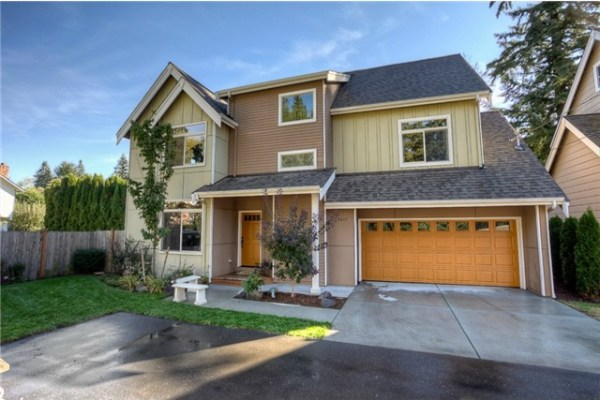 2600 Sf quality built 3 story home with features including rich