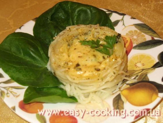 Гнезда со шпинатом и сыром / Паста фиделлини - рецепт приготовления