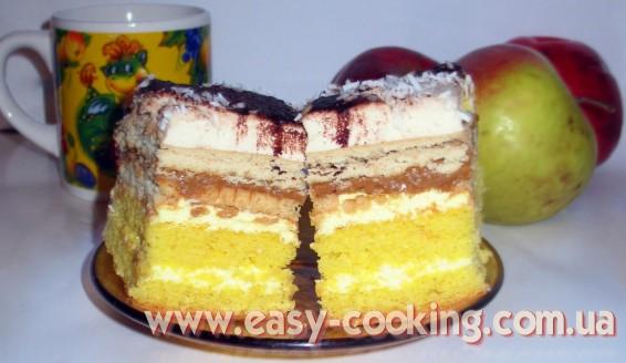 Бисквитный пляцок з кофейным суфле