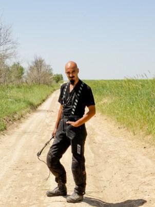Vain houkka ajaa arolla ilman Kirgisialaista ratsupiiskaa