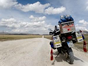Pitkä tie Kirgisian arolla