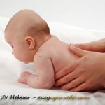 11 Mistakes To Avoid While Doing Oil Massage To Baby