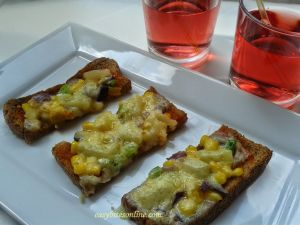 yummy and gooey bread pizza