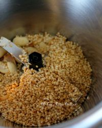 add roasted peanuts, roasted sesame seeds to the spice grinder or powerful blender