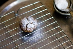 Eggless Ragi Crinkle Cookies With Cardamom Recipe