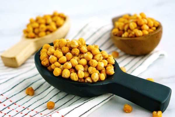 Chick peas in serving bowls.