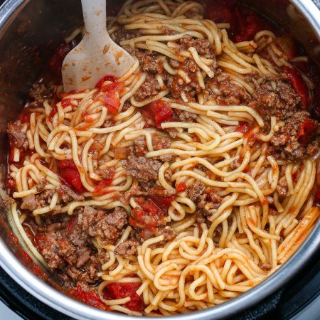A close up picture of the finished Instant Pot Spaghetti.