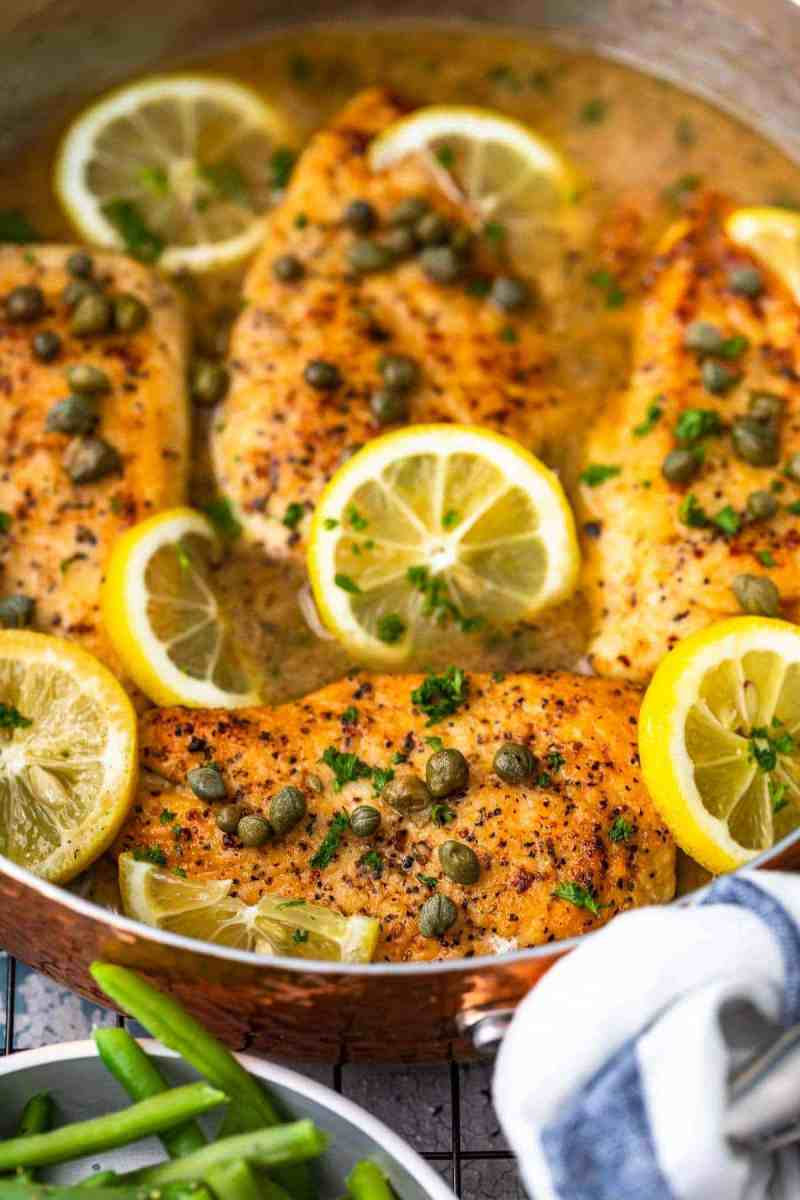 up close shot of easy chicken piccata in lemon sauce