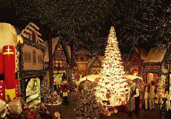 germanchristmasdecorations  Easyday
