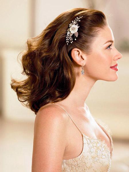 21 Beautiful Beach Wedding Hairstyles Easyday