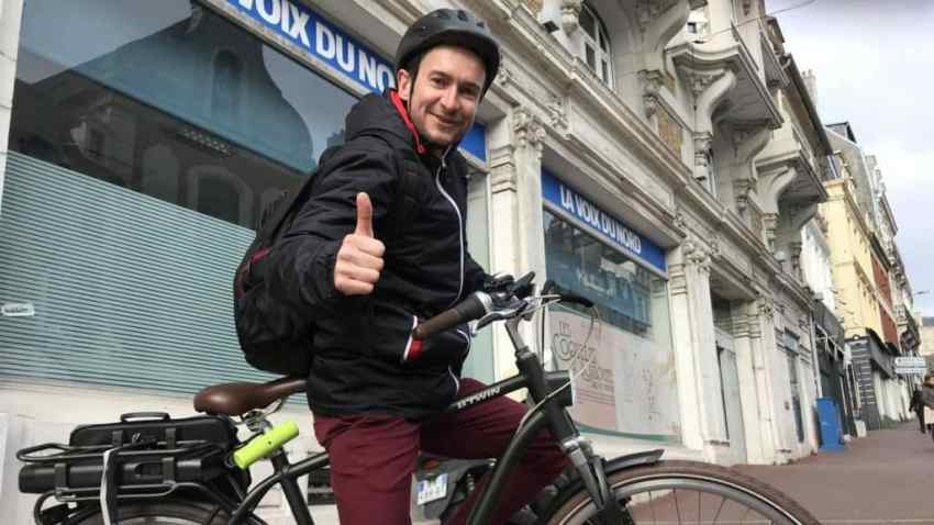 Easy E-Biking - city electric bicycle rider, helping to make electric biking practical and fun