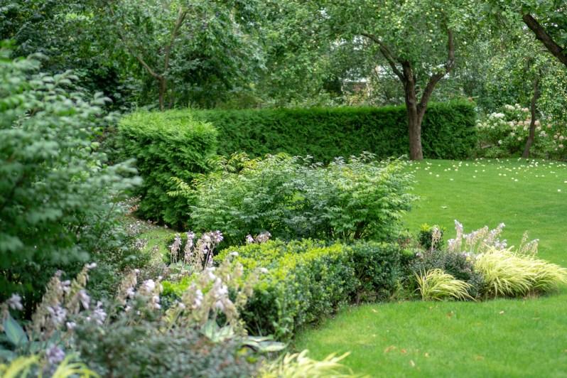 Countryside villa garden 2