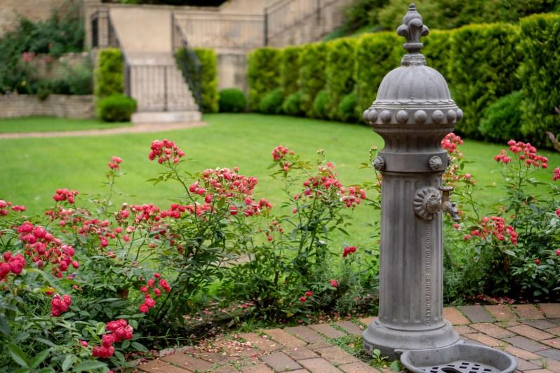 Countryside villa garden 3