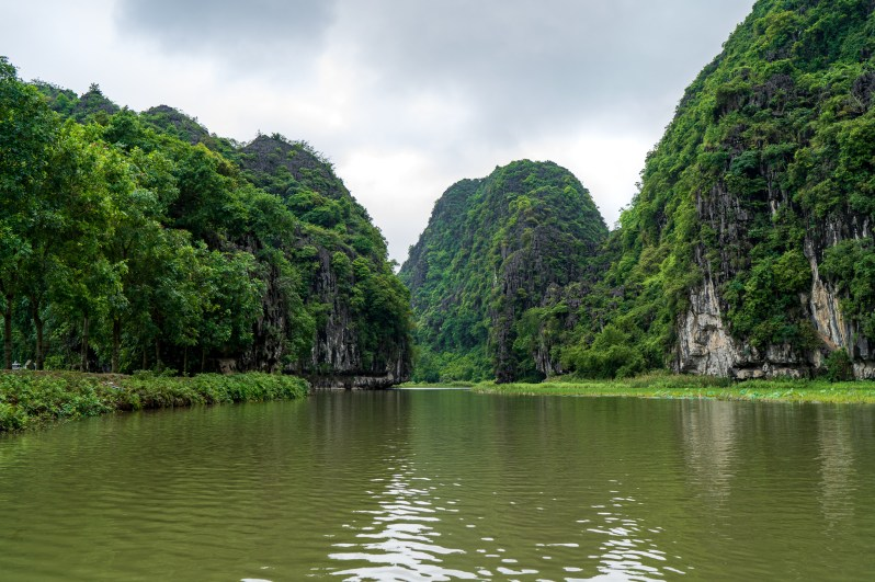 Vietnam holiday - sampan tour