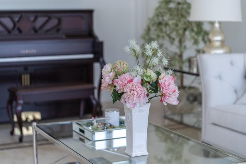 Spring home decor for living room