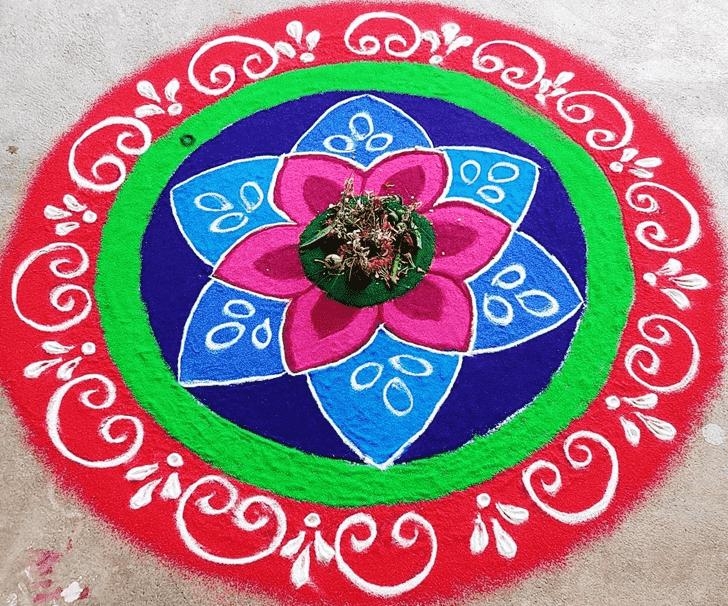 Appealing Circle Rangoli