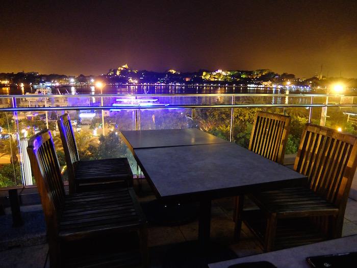 コロンス島を眺める夜景