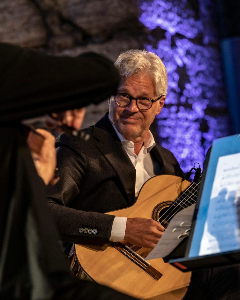 Mats Bergström och Göran Söllscher, gitarr
