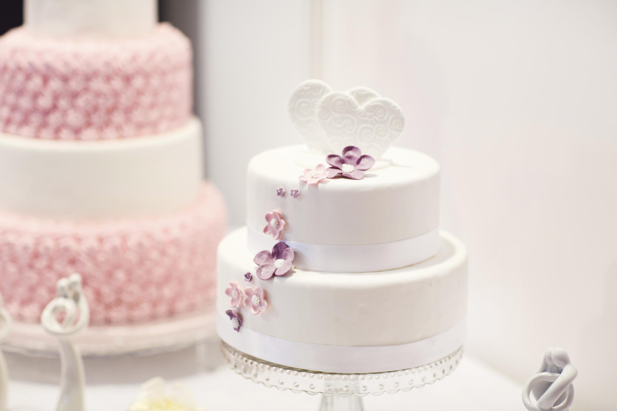 Budget Wedding Cakes Ideas Articles Easy Weddings