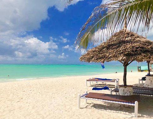spiaggia-waikiki-alta-marea