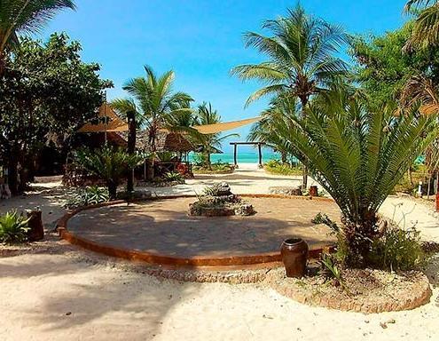 waikiki-zanzibar-spiaggia