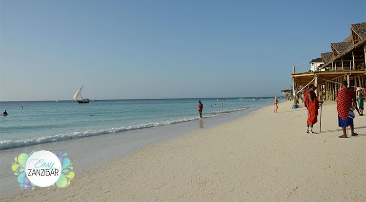 spiaggia con masai