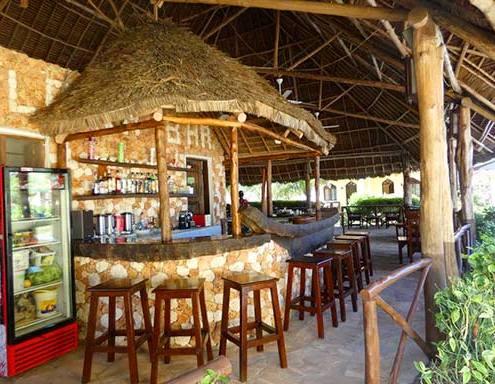 Kiwengwa-bungalow-boutique-bar
