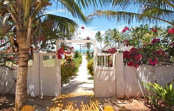 bahati-villa-accesso-spiaggia